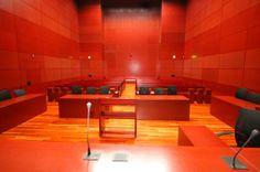 Salle d'audience du palais de justice de Nantes de l'architecte Jean Nouvel