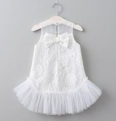 Ruffles and Bowties is your one-stop-shop for Baby & Kids boutique, a wide selection of first birthday outfits for girls and boys, Christmas dresses and so much more, at affordable prices – USA, CANADA. Frocks For Girls, Kids Frocks, Little Girl Dresses, Flower Girl Dresses, Girls Frock Design, Baby Dress Design, Baby Girl Dress Patterns, Baby Girl Fashion, Kids Fashion