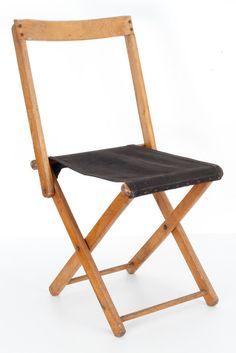 Torck - opvouwbaar houten krukje met het originele doek Folding Furniture, Folding Chair, Cool Furniture, Outdoor Furniture, Wood Projects, Woodworking Projects, Fold Up Chairs, Camping Chairs, Swinging Chair