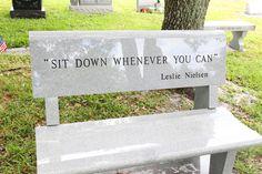 El epitafio de Leslie Nielsen parte 2 ¡cómo te echamos de menos!