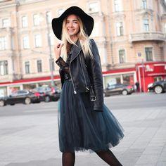 #девочкитакиедевочки #girlsparty #stylishlife #stylishgirl #streetstyle #fashionweek #fashionlovers #юбкапачка #юбкамиди #миди #пачкамиди #trends #tutu #tutuskirt #пачка #tskirt #пышнаяпачка #stylist #fashionbloger #bloger #moscowstreetstyle #streetstyle