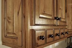 Texas Rustic Kitchen Ideas | Kitchens .com – Rustic Kitchen Photos – Knotty Pine Cabinetry