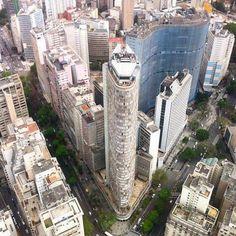Edifícios #Itália e #Copan, dois marcos da arquitetura em São Paulo. Obrigado @anapmelob pela ótima imagem no instagram! Veja mais em instagram.com/saopaulotudodebom.