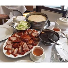 "Gourmet Monster på Instagram: ""Peking Duck with sweet bean sauce, cucumber, scallions and pancakes.  // Peking Duck House, NEW YORK CITY"
