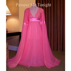 Beautiful Vintage Hollywood Chiffon Nightgown Peignoir Set