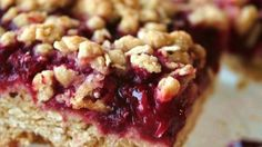 Desserts, Delicious Raspberry Oatmeal Cookie Bars, Seedless Raspberry Jam Is Sandwiched Between Buttery Brown Sugar-Oatmeal Cookie Crusts. Dessert Bars, Bon Dessert, Quick Dessert, Raspberry Bars, Raspberry Popsicles, Raspberry Punch, Raspberry Muffins, Raspberry Buttercream, Strawberry Jam