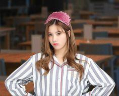 Yu Jin, Woollim Entertainment, The Wiz, Otp, Penguin, Kpop Girls, Winter Hats, Female, Baby