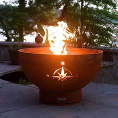 This Fire Pit Art® original Navigator compass rose is designed to take us back to a simpler, quieter time when tall ships harnessed the wind. This gentle soothing design compliments any landscape eith