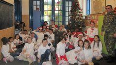 """BATALIONUL 265 POLIŢIE MILITARĂ – MOŞ CRĂCIUN PENTRU O ZI • Vineri, 20 decembrie ne-am transformat  în promotorii lui Moş Crăciun şi astfel o echipă de militari din Batalionul  265 Poliţie Militară i-a vizitat pe copiii din Centrul social de zi al fundaţiei """"Sfântul Dimitrie"""" din Bucureşti, eveniment care a devenit deja o tradiţie."""