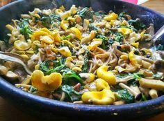 Sobanoodles met massa's paddenstoelen - handsoffmyfood