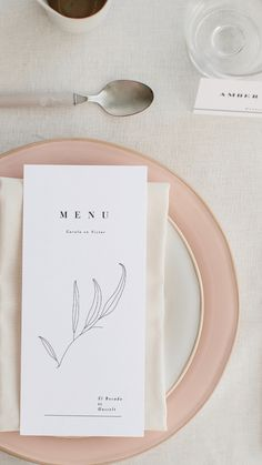 Shooting d'inspiration Alba - Papeterie Mariage Minimaliste The minimalist has never been so trendy Wedding Party Invites, Wedding Menu, Wedding Invitation Design, Wedding Stationary, Wedding Cards, Party Invitations, Wedding Flower Decorations, Menu Cards, Stationery Design
