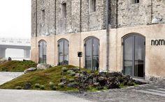 Noma в Копенгагене, который вот уже четвертый год подряд признан «Лучшим рестораном года» по версии профессионального британского журнала Restaurant magazine, обзавелся ландшафтным окружением.