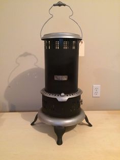 Antique Vintage BOSS No. 8 Black Kerosene Oil Heater Stove | eBay Stove Installation, Oil Heater, Kerosene Heater, Vintage Stoves, Magic Chef, Stove Fireplace, Gas Stove, Heating And Cooling, Gas Station