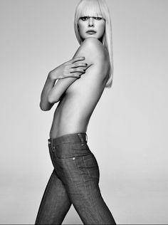 Topless Goldie . Jan Welter / Photographer