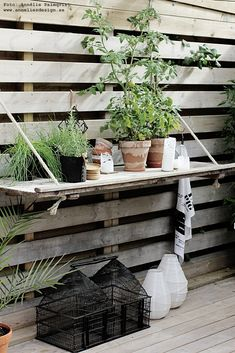 black, white & red: DIY relief table on the wooden deck Garden Tool Shed, Diy Garden, Dream Garden, Backyard Projects, Outdoor Projects, Garden Projects, Scandinavian Garden, Shed Interior, Pergola Attached To House