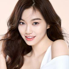 Korean Actresses, Korean Actors, Kpop Girl Groups, Kpop Girls, Korean Beauty, Asian Beauty, Kim Doyeon, Cosmic Girls, Ioi