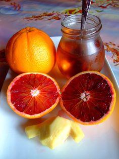 mal Nu-i o noutate ca gingerul/ ghimbirul e ... polivalent . Se lasa introdus in diverse feluri de mancare , dar si in atatea si atate... Grapefruit, Orange, Food, Essen, Meals, Yemek, Eten