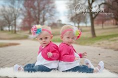 Twin 1 year olds. Twin girls photography