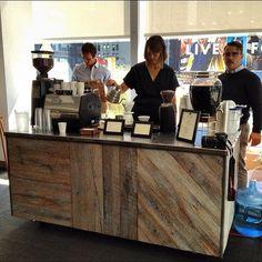 55 Awesome Small Coffee Shop Interior Design 14 - Home & Decor Small Coffee Shop, Coffee Shop Bar, Coffee Carts, Coffee Lab, Coffee Shop Interior Design, Coffee Shop Design, Design Shop, Mein Café, Coffee Counter
