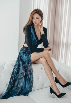 e7a61e0b0e238194f9ee5d0d47a125b2 luxury fashion asian fashion The advantages of Dating a Younger Woman