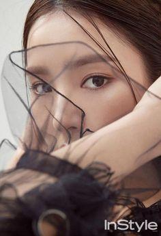 Shin Se Kyung for Instyle Korea December Photographed by Ahn Joo Young Korean Actresses, Korean Actors, Actors & Actresses, Korean Face, Korean Star, Pretty Asian, Beautiful Asian Girls, Korean Beauty, Asian Beauty