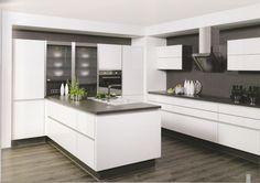 Examples of kitchen without handles - Best Interior Design Ideas Modern Kitchen Ovens, Modern Kitchen Design, Interior Design Kitchen, New Kitchen, Handleless Kitchen, Kitchen Layout, Luxury Kitchens, Home Kitchens, Kitchen Without Handles