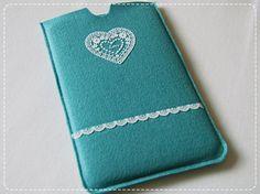 love the heart - felt phone case