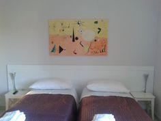 B&B Residenza Guglielmi Campobasso Interno stanza quadro Mirò