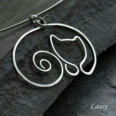 Hammered Wire Cat Pendant