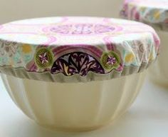 Beautiful-Bowl-Cover-Tutorial - http://www.allfreesewing.com/Dining-and-Kitchen/Beautiful-Bowl-Cover-Tutorial