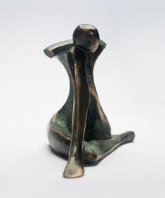 Rzeźba brąz melancholia autor wawryczuk tomasz Modern Sculpture, Vase, Home Decor, Author, Wood, Decoration Home, Room Decor, Jars, Vases