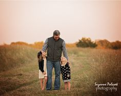 Father and daughters lifestyle family portrait session in a field in North Dallas I Suzanne Palasek Photography