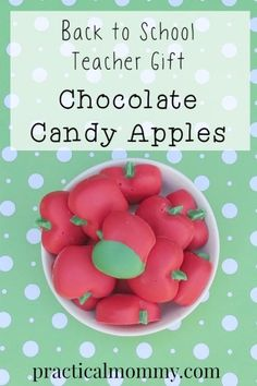 Back to School Teacher Gift: Chocolate Candy Apples. It only takes 15 minutes to make something most teachers would love to get on the first day of school - a cute little chocolate pick me up for the afternoon.