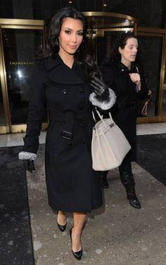 Классическое черное женское пальто -обязательный атрибут женского гардероба