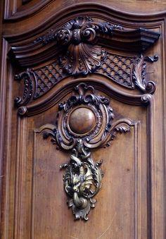 Torino, Via dei Mercanti - Beautiful door knocker on extensively carved wood door by HEN-Magonza Wooden Door Hangers, Wooden Doors, Wal Art, Door Knobs And Knockers, Wooden Door Design, Door Accessories, Turin, Wood Sculpture, Custom Wood