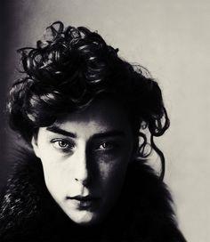 photo noir et blanc : Jack Davison, portrait de femme