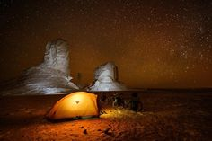 Around the world with Nicolas Marino Camping by the amazing chalk-rock formations of Egypt's Sahara, the White desert. Photo by Nicolas Marino Travel Around The World, Around The Worlds, Camper, Paradise Hotel, His Travel, Luxor, World Traveler, Touring, Outdoor Gear