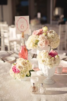 pink and white centerpieces {The Vine's Leaf}