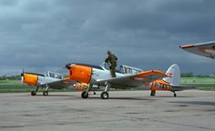 de Havilland DHC-1 Chipmunk Mk.20   EAA Warbirds QR Code Website