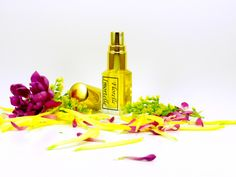 If you like the natural scent of rose, jasmine, ylang, lavender, iris and nutmeg most likely you will love the way they come together synergistically to form the heart of this botanical bomb..  Florelle Immortelle is the longest lasting natural perfume on the planet.  Eau de Parfum strength.