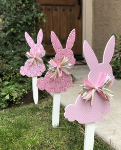 Excited to share this item from my shop: Shabby chic Easter Bunny Yard Signs bunny Shabby chic Easter Bunny Yard Signs Bunny Crafts, Easter Crafts, Crafts For Kids, Diy Crafts, Wood Crafts, Spring Crafts, Holiday Crafts, Diy Osterschmuck, Easy Diy