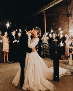 Top 20 Must See Night Wedding Photos With Light - Bride - Photo . Top 20 Must See Night Wedding Photos With Light - Bride - Night Wedding Photos, Wedding Night, Wedding Pictures, Fall Wedding, Wedding Ceremony, Night Photos, Wedding Trends, Trendy Wedding, Rustic Wedding