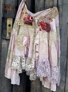 Poetess  reworked vintage jacket poet sleeves hand par FleursBoheme