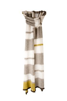 Making this light linen scarf. Shibui Solo Scarf Kit at Dream Weaver Yarns LLC Knitting Patterns Free, Knit Patterns, Free Knitting, Free Pattern, Knitting Bags, Knitting Designs, Knitting Projects, Knit Or Crochet, Crochet Scarves