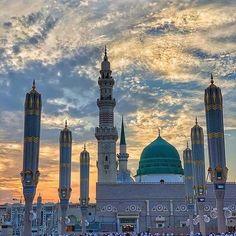 Green Dome, Mekkah, Islamic Art Calligraphy, Madina, Islamic Pictures, Taj Mahal, Building, Places, Travel