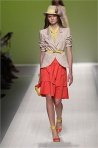 The whole Spring Summer 2012 Blugirl collection was just gorgeous.  Blugirl - Spring Summer 2012 Ready-To-Wear - Shows - Vogue.it