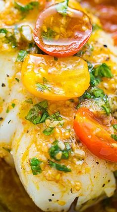 A quick and easy recipe for Pan-Seared Cod in White Wine Tomato Basil Sauce! Ingredients For the White Wine Tomato Basil Sauce:. Cod Fish Recipes, Seafood Recipes, Diet Recipes, Cooking Recipes, Healthy Recipes, White Fish Recipes, Italian White Fish Recipe, Bonefish Grill Recipes, Halibut Recipes