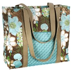 bag Wildflowers Free tote pattern from fabric Editions, Inc. Because I need another tote bag pattern. Tote Pattern, Bag Patterns To Sew, Sewing Patterns Free, Free Sewing, Easy Tote Bag Pattern Free, Pattern Sewing, Quilted Purse Patterns, Wallet Pattern, Clothes Patterns