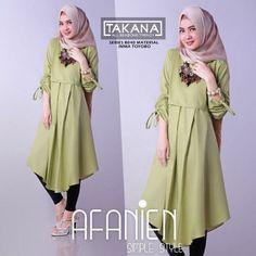 Afanien Tunik Avocado www. Batik Fashion, Hijab Fashion, Fashion Dresses, Hijab Style Dress, Casual Hijab Outfit, Blouse Batik, Muslim Women Fashion, Tunic Designs, Kurti Designs Party Wear