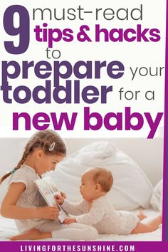 How to help your child adjust to a new baby. Whether you have a toddler or older child, the transition from only child to sibling is a big one. Read these key tips to help prepare your toddler for a #newbaby. #toddler #secondbaby #twoundertwo #parentingtips #siblingjalousy Baby Live, New Sibling, Only Child, Oldest Child, Second Baby, Siblings, Parenting Hacks, Your Child